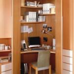 Detailansicht Eckkleiderschrank als Büro
