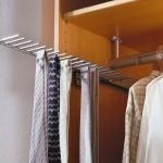 Detailansicht Krawatten- und Gürtelhalter