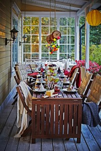 Gartentisch und Gartenstühle