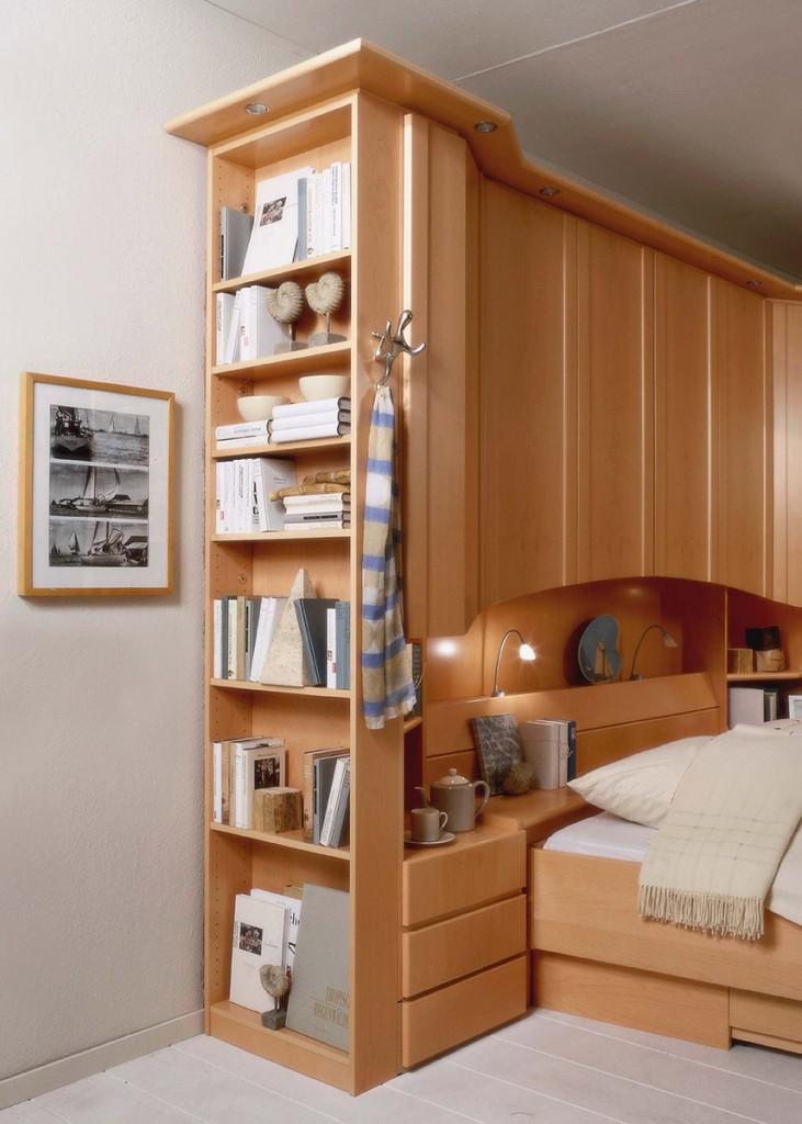 Überbauschlafzimmer mit Beleuchtung - Wohnello.de