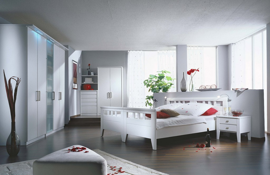 ... Https://www.wohnello.de/wp Content/uploads/2013/09/schlafzimmer  Möbel Lack Weiss Modern Concept II 02 1024x663 ...
